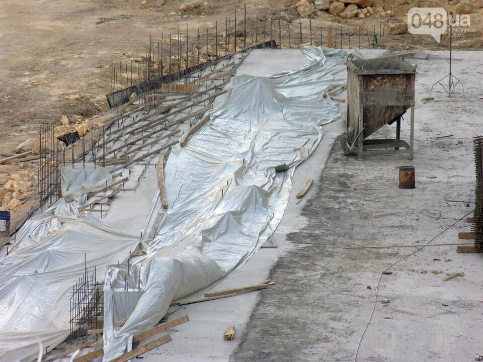 В центре Одессы демонтируют бесхозный древний ресторан (ФОТО), фото-4