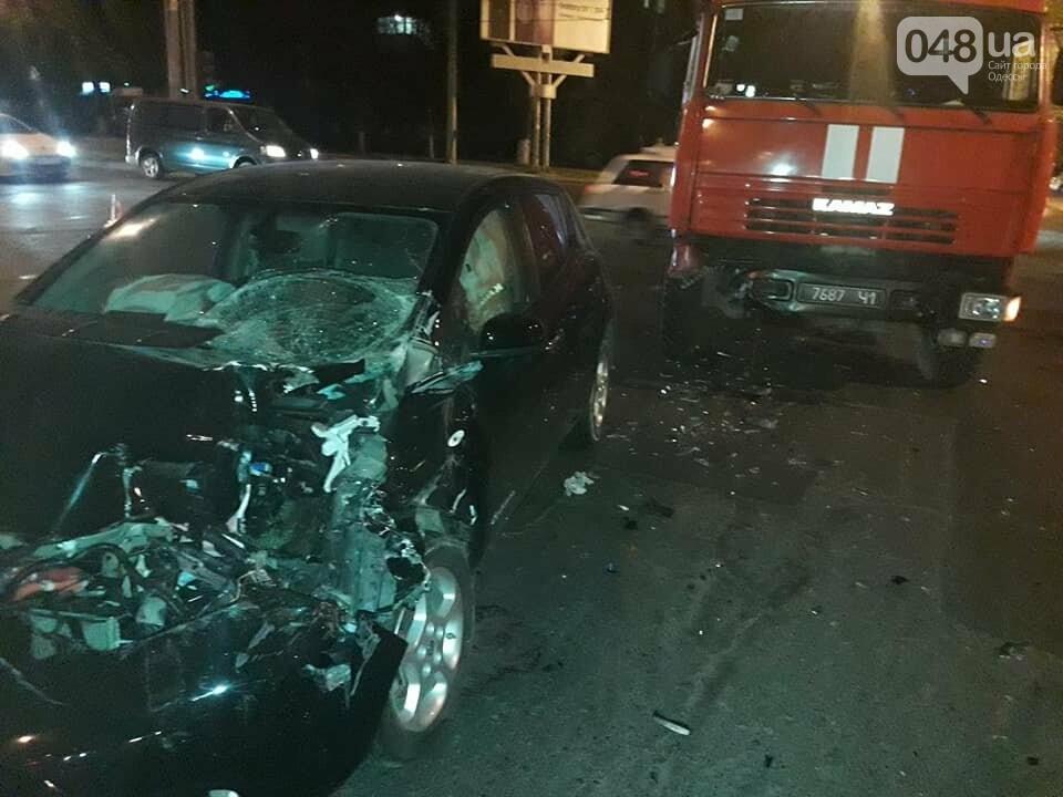 В Одессе пожарная машина протаранила электромобиль: Смотри, что получилось (ФОТО), фото-3