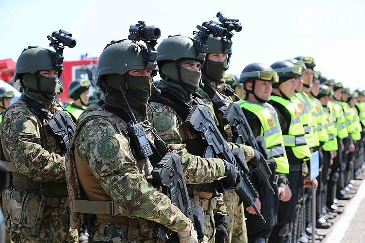 Одеский аэропорт полиция зачистила от условных протестующих (ФОТО), фото-5