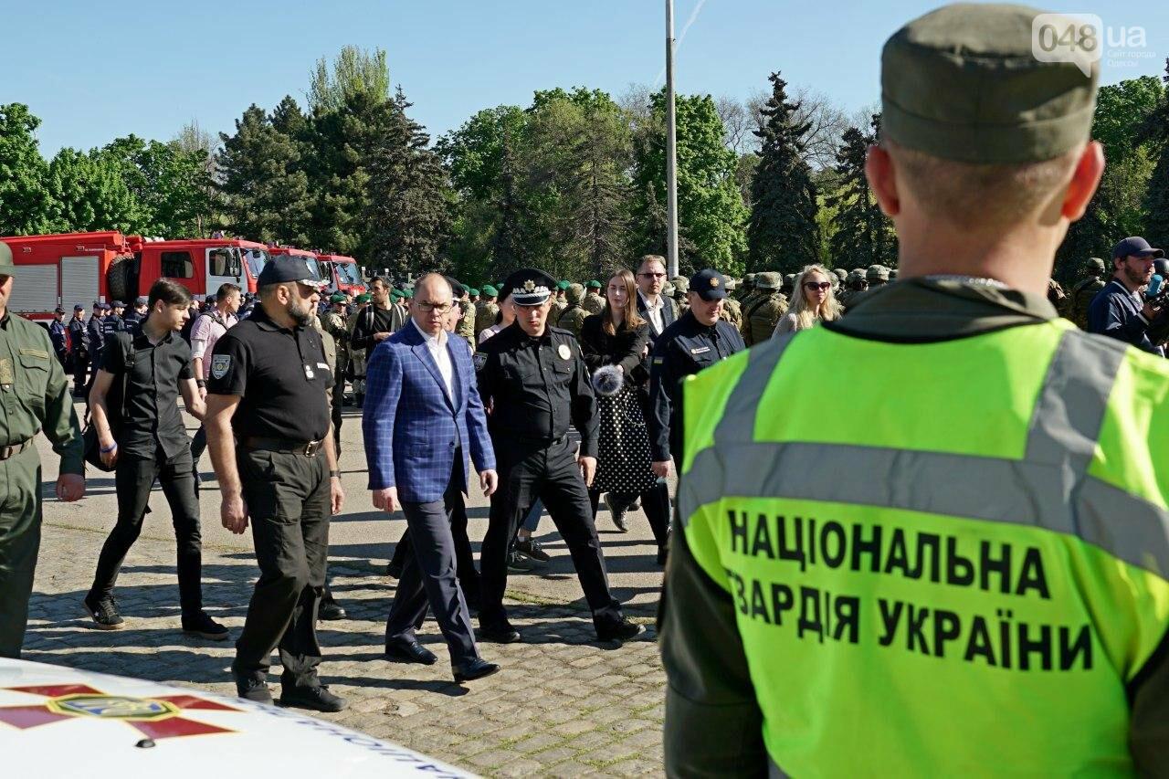 Одесские силовики на Куликовом поиграли мускулами и показали военную технику (ФОТО), фото-2
