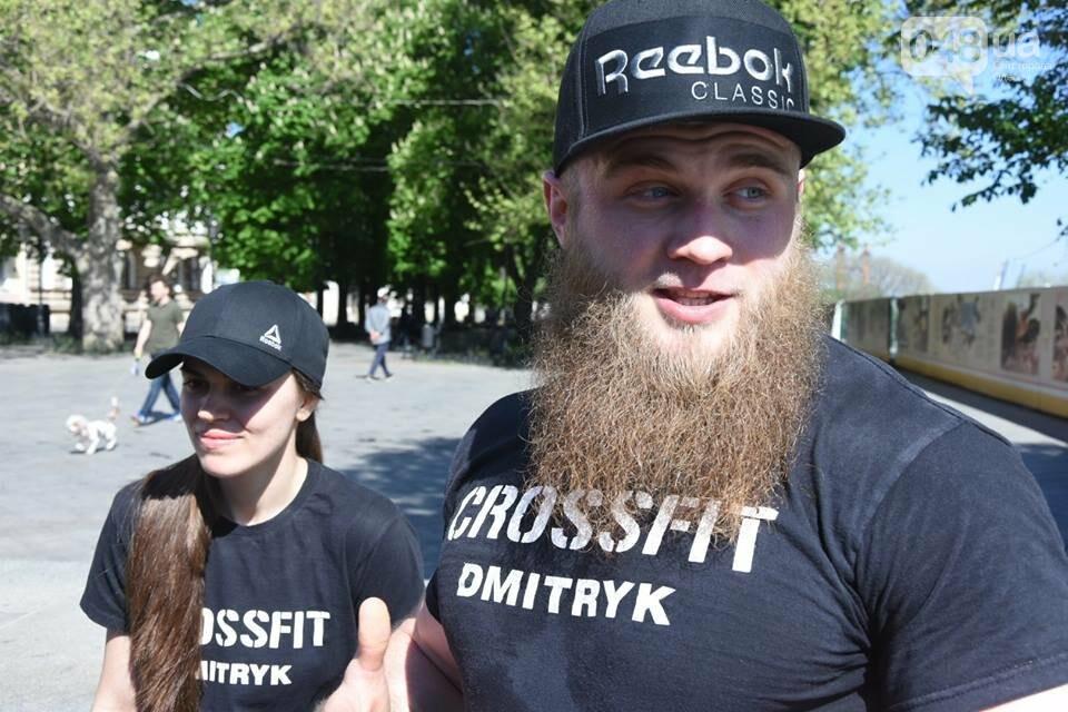 Пара одесских спортсменов поднялась по Потемкинской лестнице со штангами ради популяризации спорта (ФОТО) , фото-3