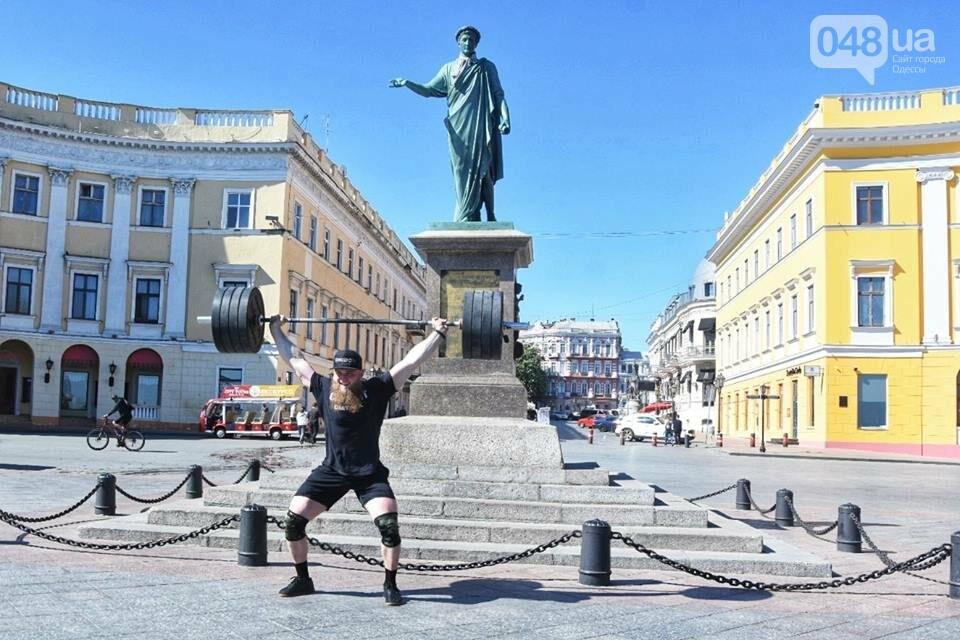 Пара одесских спортсменов поднялась по Потемкинской лестнице со штангами ради популяризации спорта (ФОТО) , фото-4