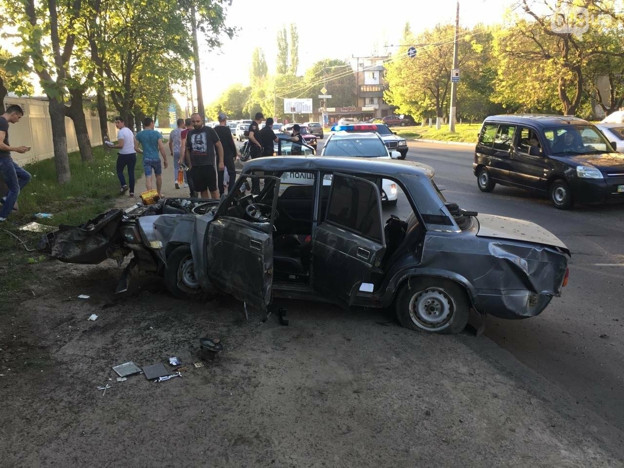 В жуткой аварии на одесских Черемушках ребенок чудом остался цел (ФОТО), фото-1