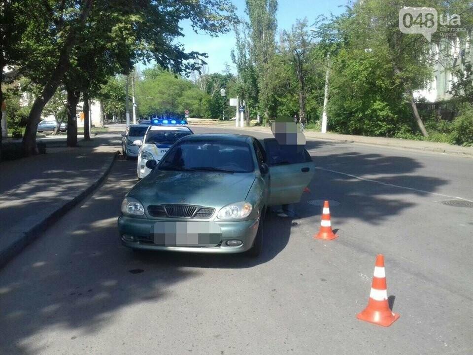 Одесситы поймали 80-летнего водителя, который сбил ребенка на переходе и пытался удрать, - ФОТО, фото-2