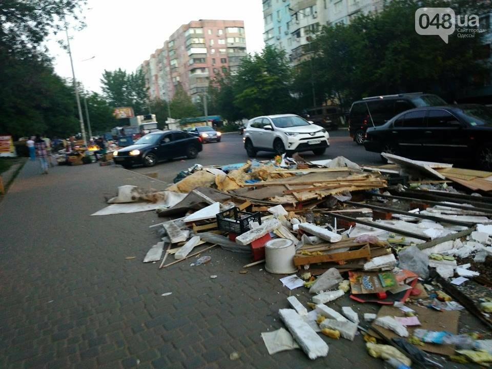 На Котовского в Одессе сносят стихийный рынок, - ФОТО, фото-7