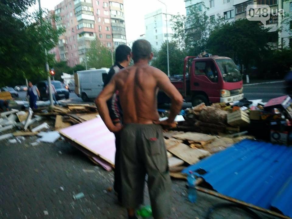 На Котовского в Одессе сносят стихийный рынок, - ФОТО, фото-8