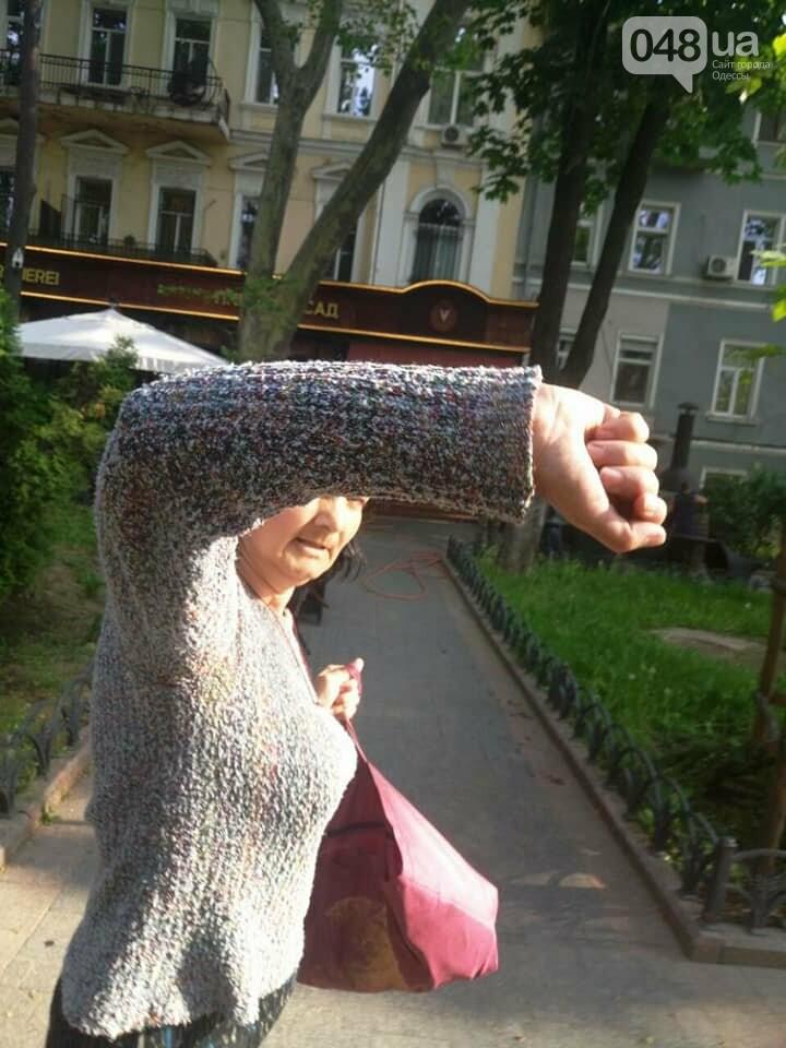 В центре Одессы женщина схватила чужого ребенка: мама опубликовала видео, - ФОТО, ВИДЕО, фото-1