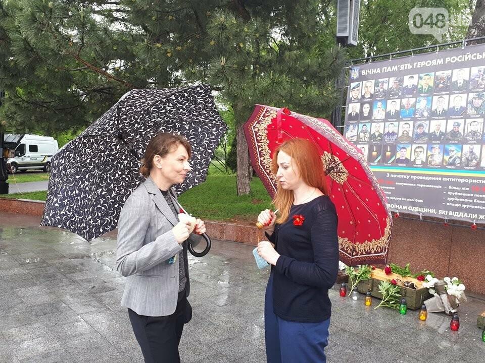 В Одессе началась выставка памяти героев украинско-российской войны, - ФОТО, фото-4