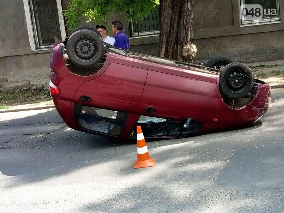 В Одессе перевернулся ДЭУ-Матиз: пострадала пассажирка, - ФОТО, фото-3