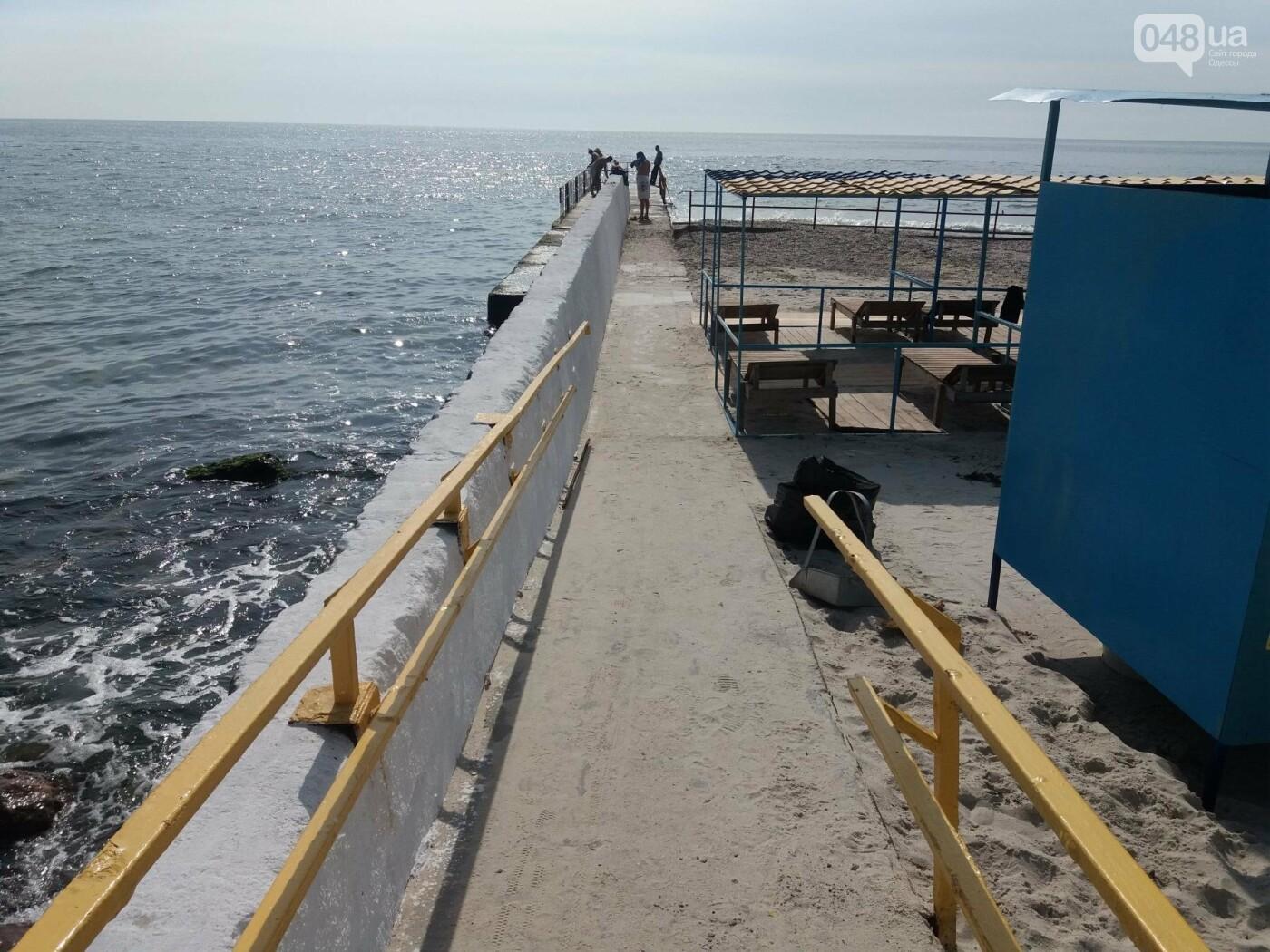 Потрясающий цинизм: как одесские чиновники благоустроили пляж для людей с инвалидностью, - ФОТО , фото-11