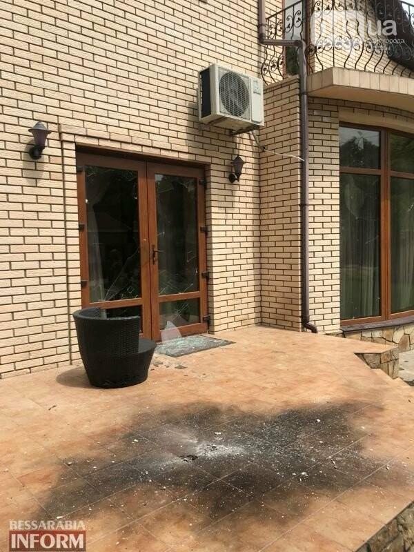 В Одесской области депутату во двор бросили гранату, - ФОТО, фото-1