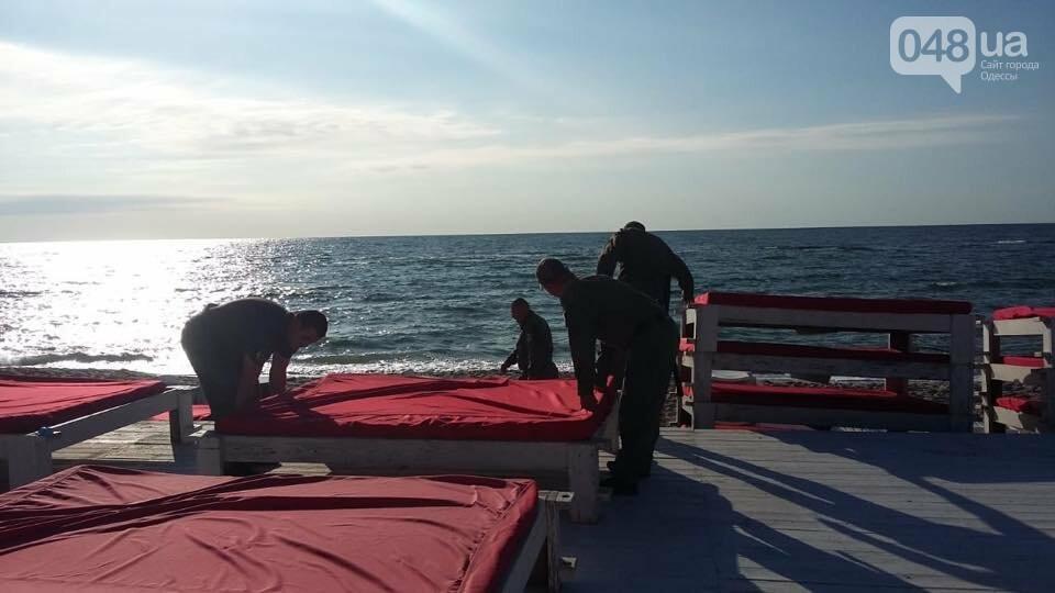 В Одессе демонтировали пафосный пляжный комплекс на берегу моря, - ФОТО, фото-3