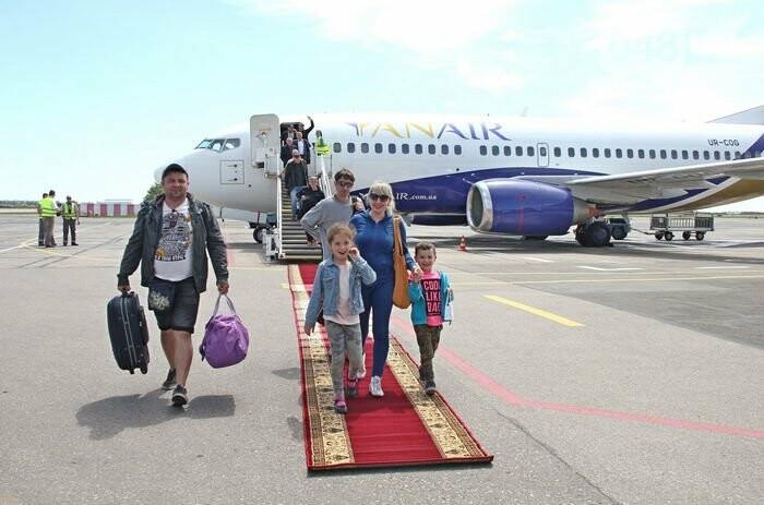Между Одессой и Краковом установлено прямое воздушное сообщение, - ФОТО , фото-1