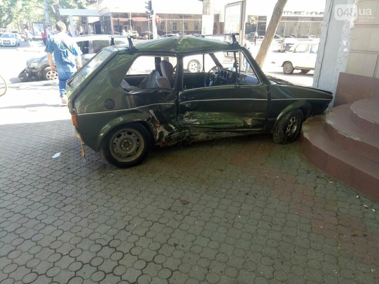 В центре Одессы иномарка врезалась в магазин, - ФОТО, фото-1