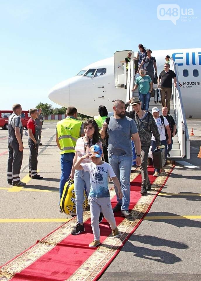 Греческому самолету в Одессе устроили холодный душ, - ФОТО, фото-4