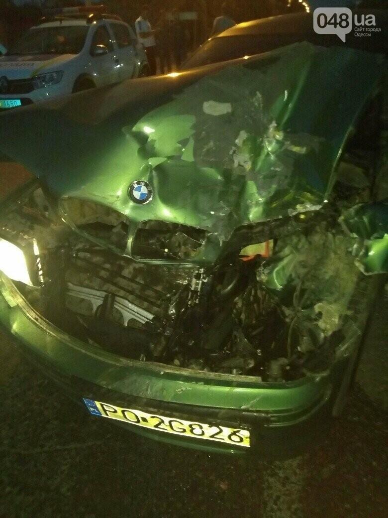 Под Одессой BMW на бляхах повалил микроавтобус, - ФОТО, фото-3
