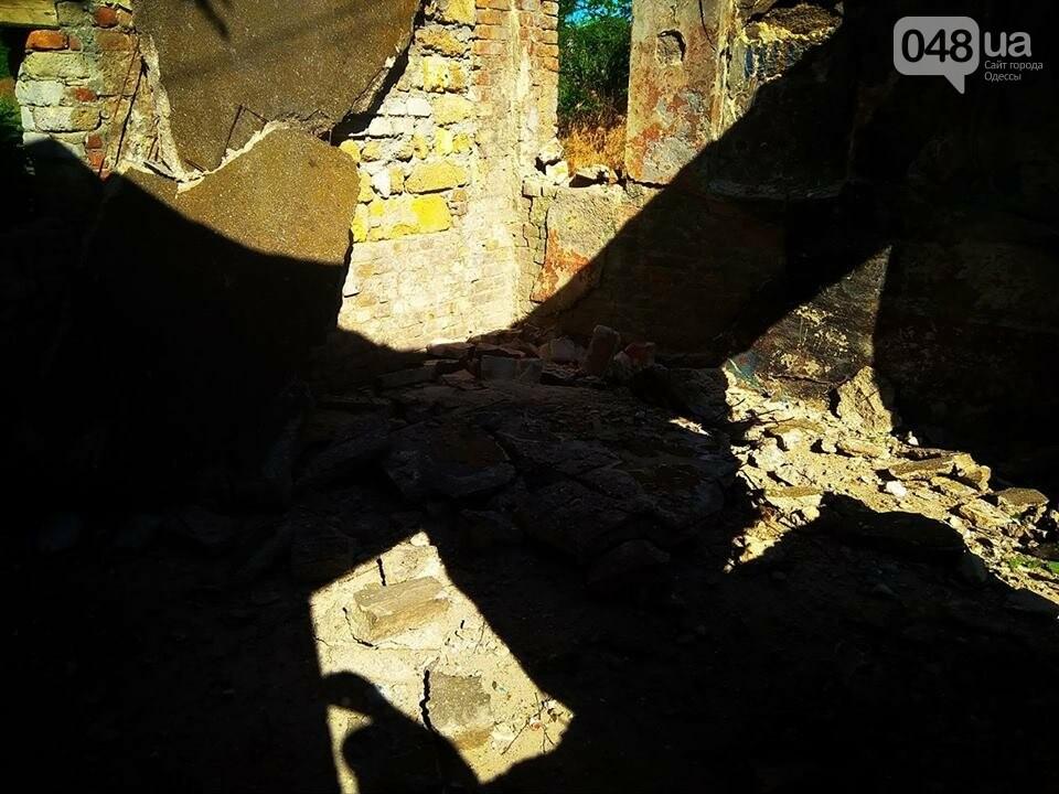 В Одессе неизвестные разрушили уникальную трамвайную остановку, - ФОТО, фото-2