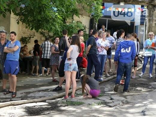 Три семьи погорельцев из сгоревшего в Одессе дома пообещали переселить, фото-2
