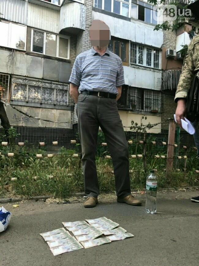В Одессе задержан во время получения взятки врач: «Отмазывал» призывников, - ФОТО , фото-2