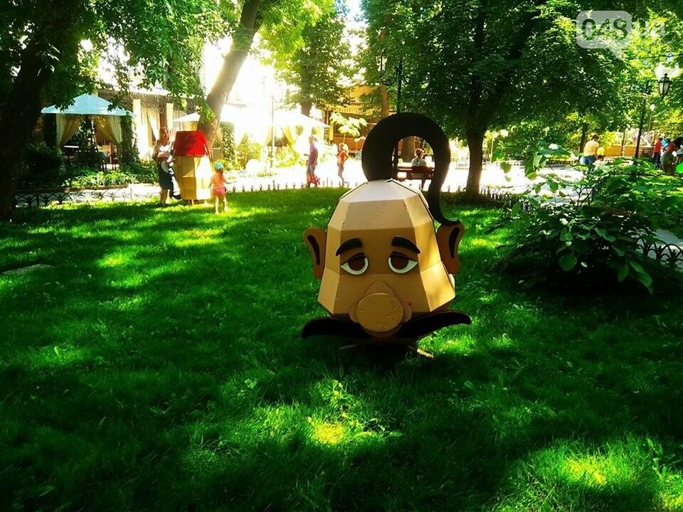 В одесском Горсаду надули невероятных размеров горку: дети счастливы, - ФОТО, ВИДЕО, фото-8