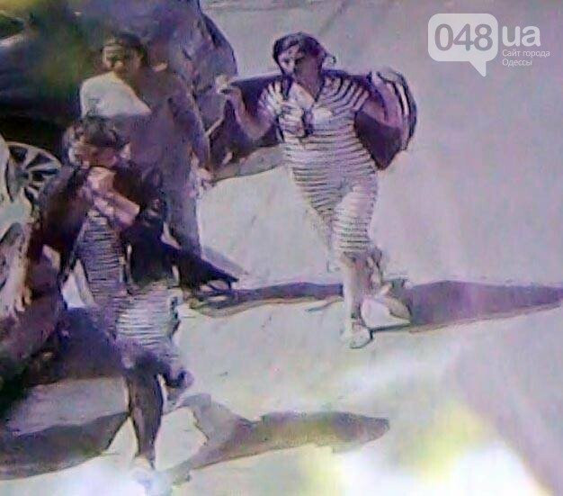 В Одессе воровка на улице угрожала ножом прохожему, - ФОТО, фото-1