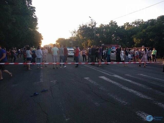 В Одессе дама на внедорожнике отправила девочку на тот свет, а ее тетю в кому, - ФОТО, ВИДЕО, фото-4