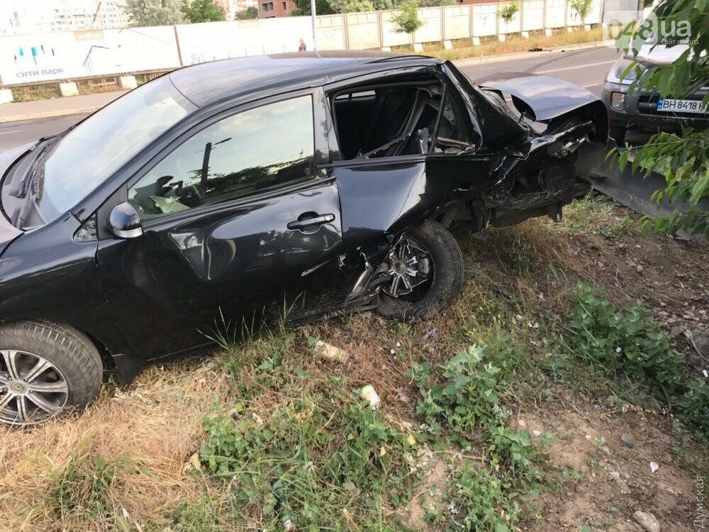 В Одессе Тойота протаранила несколько машин, - ФОТО, фото-3