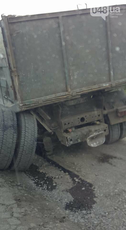 В Одесской области трассу заблокировал рассыпавшийся грузовик, - ФОТО, фото-2