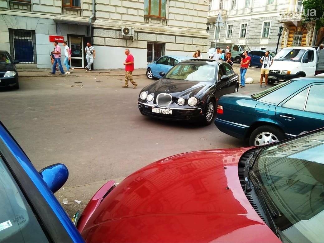 В центре Одессы жещина на Jaguar протаранила четыре авто, - ФОТО, ВИДЕО, фото-8