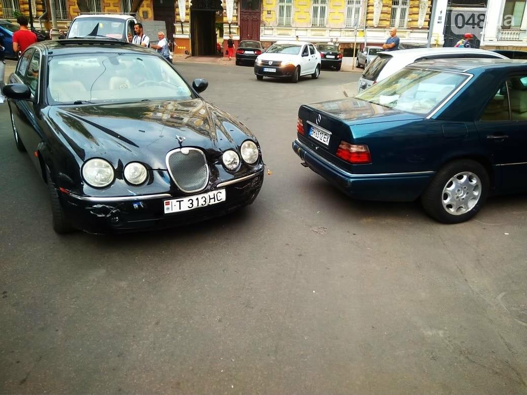 В центре Одессы жещина на Jaguar протаранила четыре авто, - ФОТО, ВИДЕО, фото-6