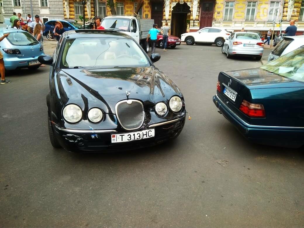 В центре Одессы жещина на Jaguar протаранила четыре авто, - ФОТО, ВИДЕО, фото-2