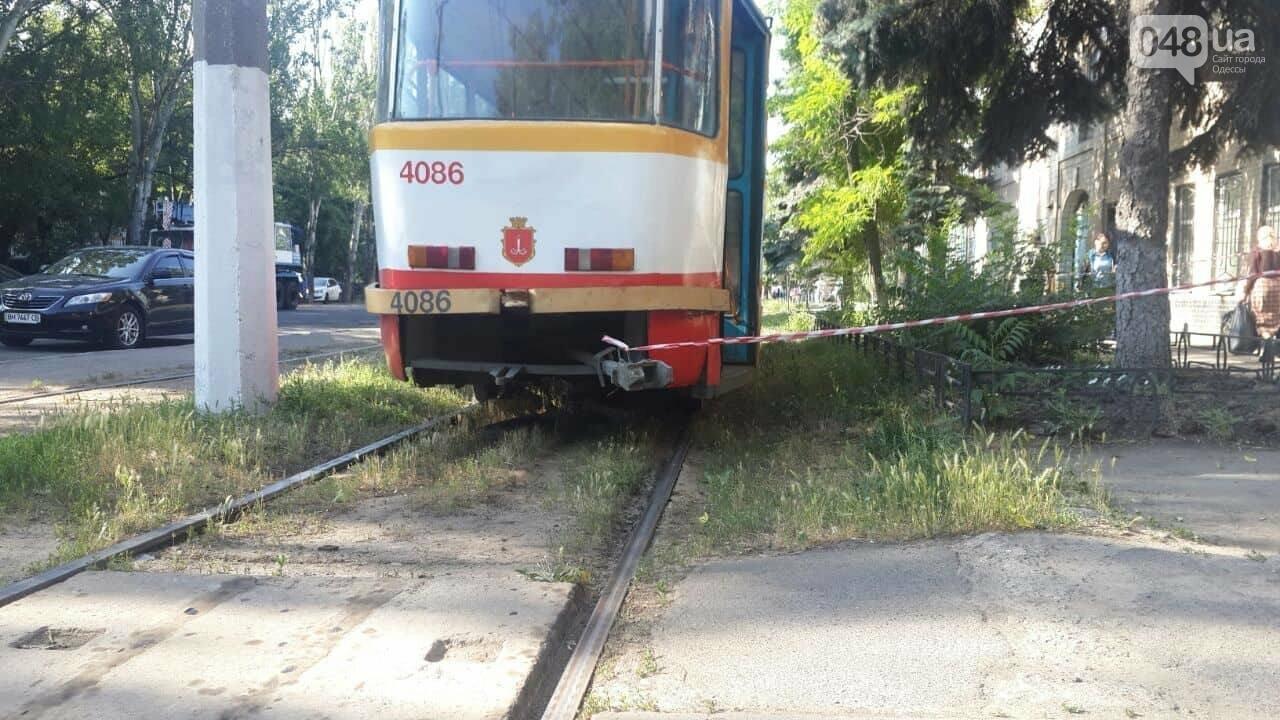На одесской Пересыпи трамвай насмерть сбил мужчину, фото-1