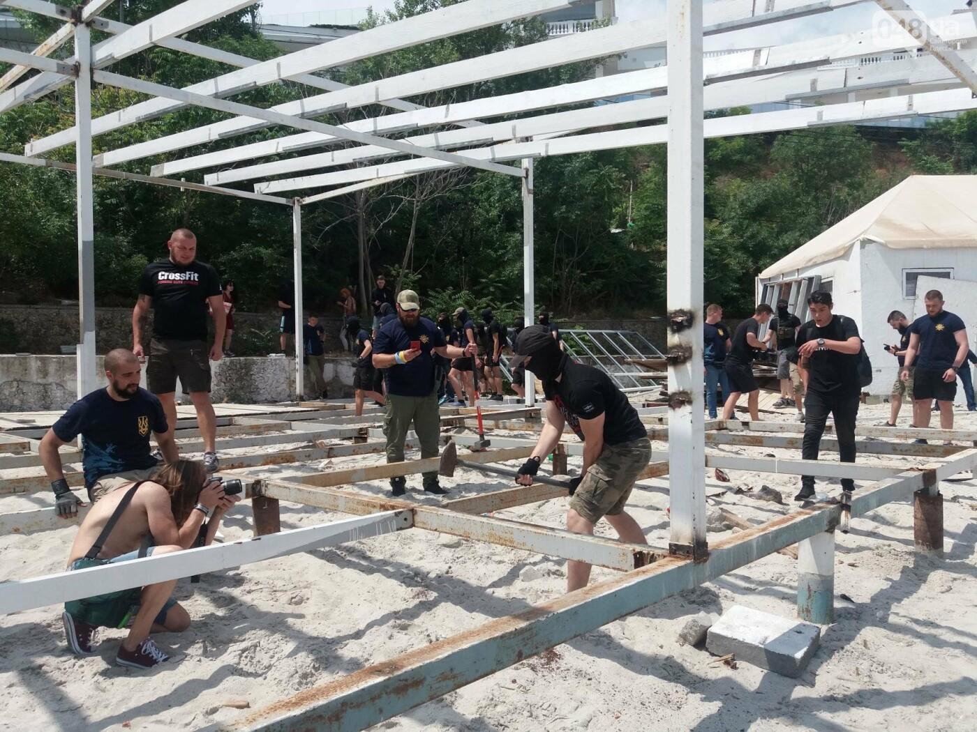 На Одесском пляже прошла акция по демонтажу незаконного сооружения, - ФОТО, ВИДЕО, фото-15
