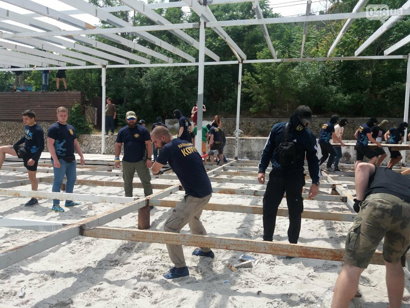 На Одесском пляже прошла акция по демонтажу незаконного сооружения, - ФОТО, ВИДЕО, фото-8