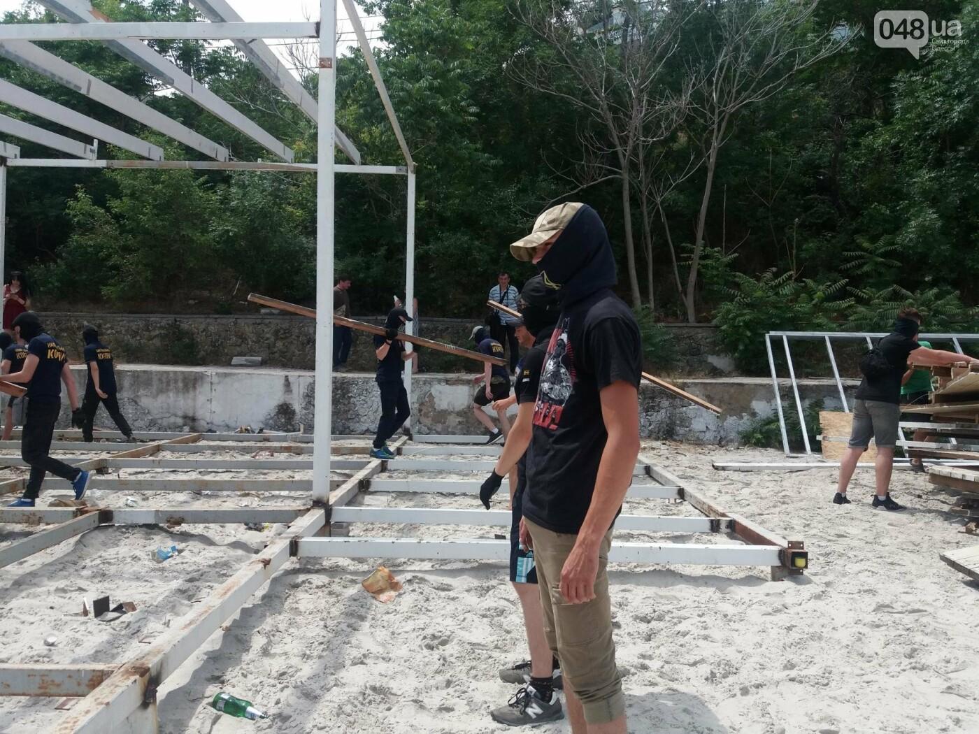 На Одесском пляже прошла акция по демонтажу незаконного сооружения, - ФОТО, ВИДЕО, фото-13