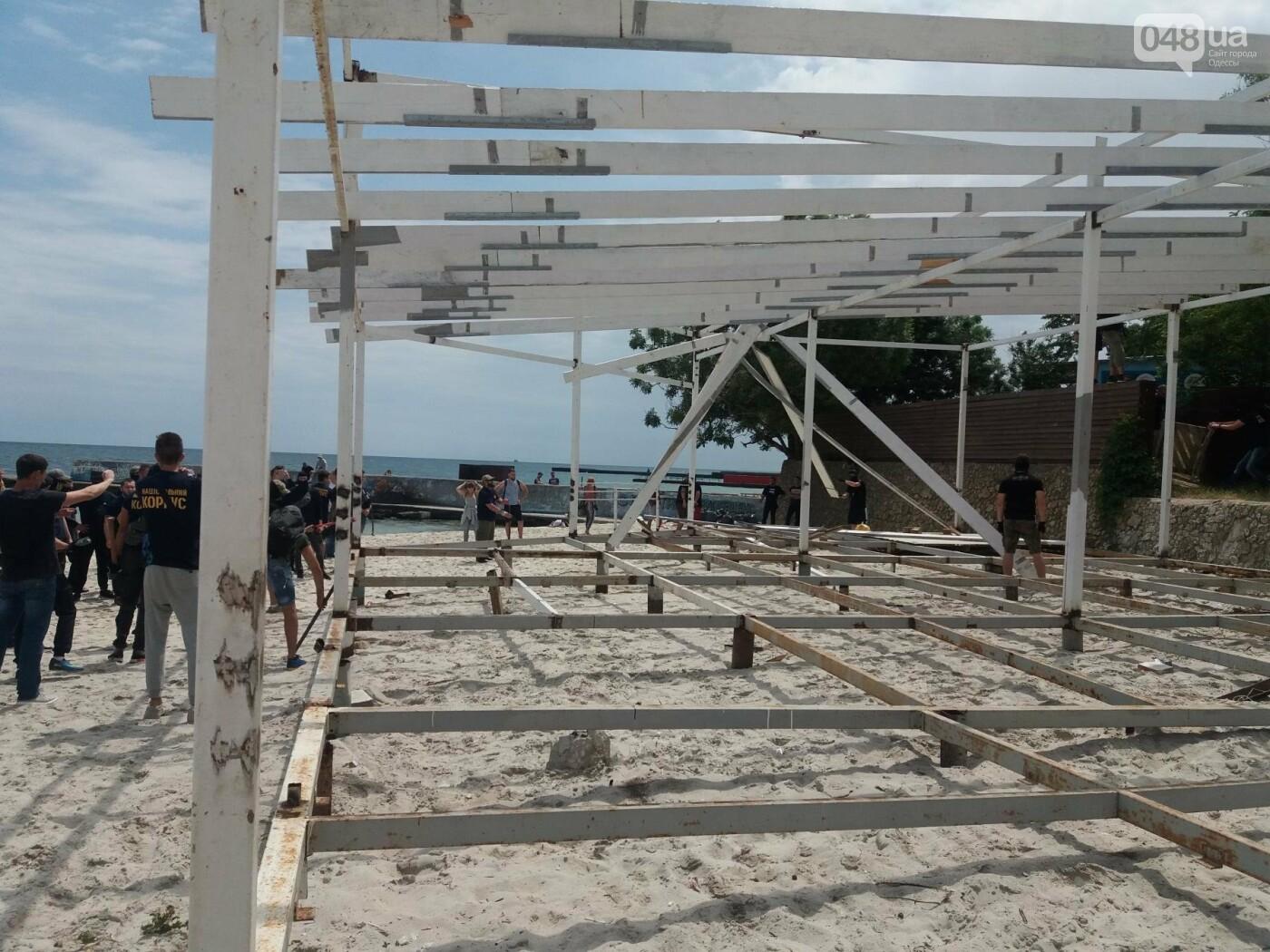 На Одесском пляже прошла акция по демонтажу незаконного сооружения, - ФОТО, ВИДЕО, фото-12