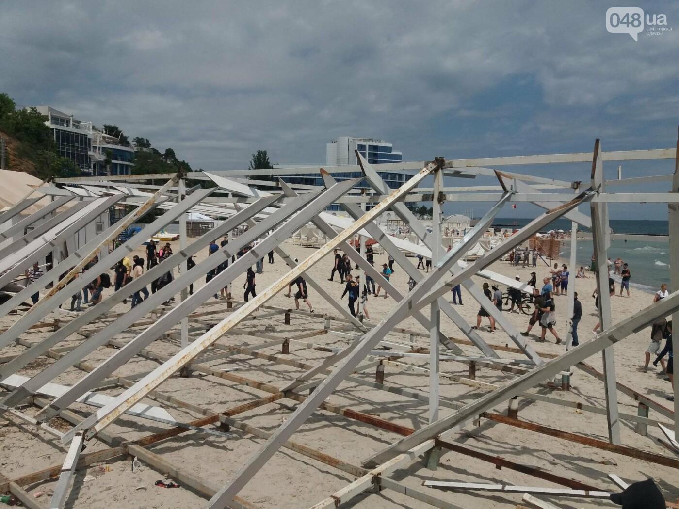 На Одесском пляже прошла акция по демонтажу незаконного сооружения, - ФОТО, ВИДЕО, фото-11