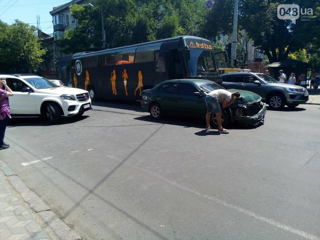 В центре Одессы авария: остановлено движение троллейбусов, - ФОТО, фото-1