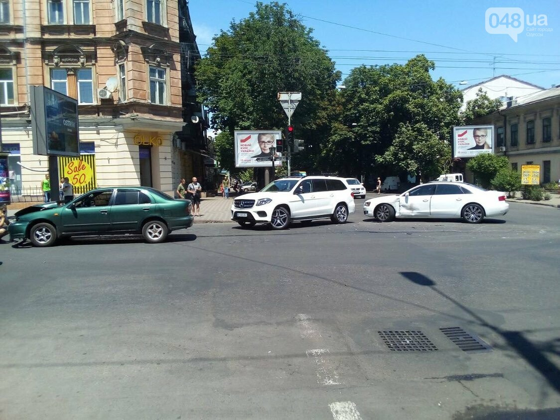 В центре Одессы авария: остановлено движение троллейбусов, - ФОТО, фото-2