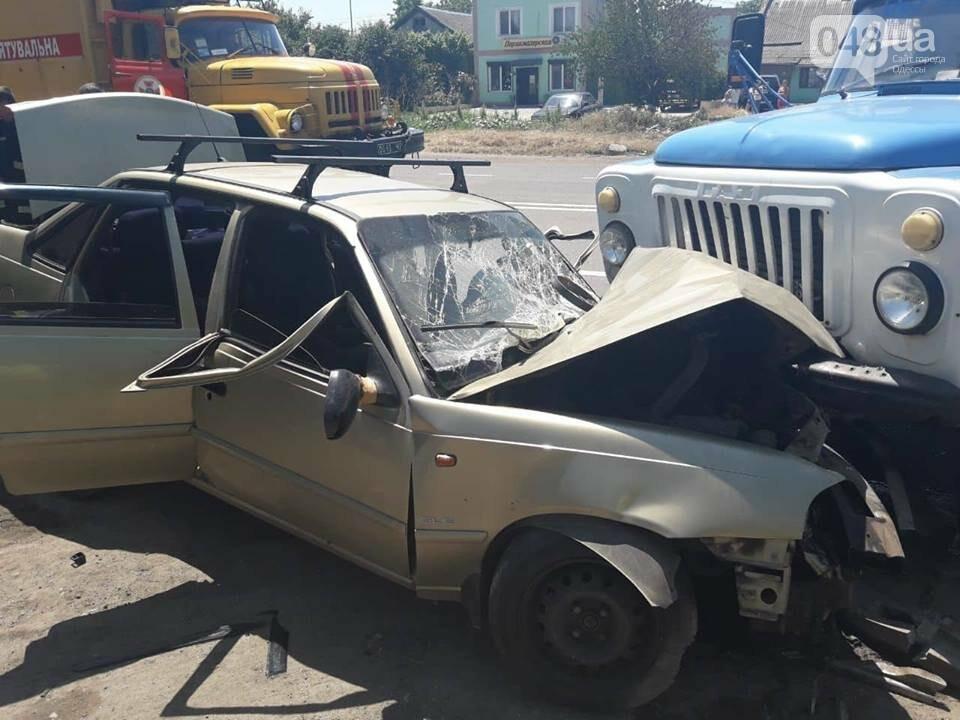 В Одессе ГАЗ столкнулся с ДЭУ, пострадал водитель и пассажиры легковушки, - ФОТО, фото-1