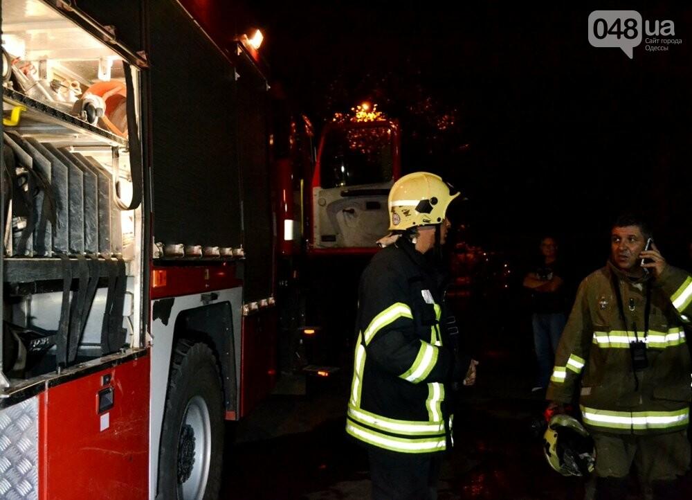В Одессе тушили пожар в десятиэтажке, - ФОТО, ВИДЕО, фото-4