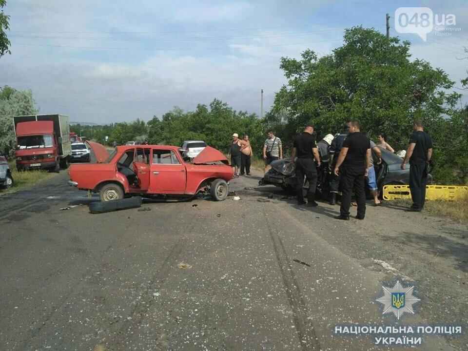 В жуткой аварии в Одесской области погиб человек и еще пятеро пострадали, - ФОТО, фото-1