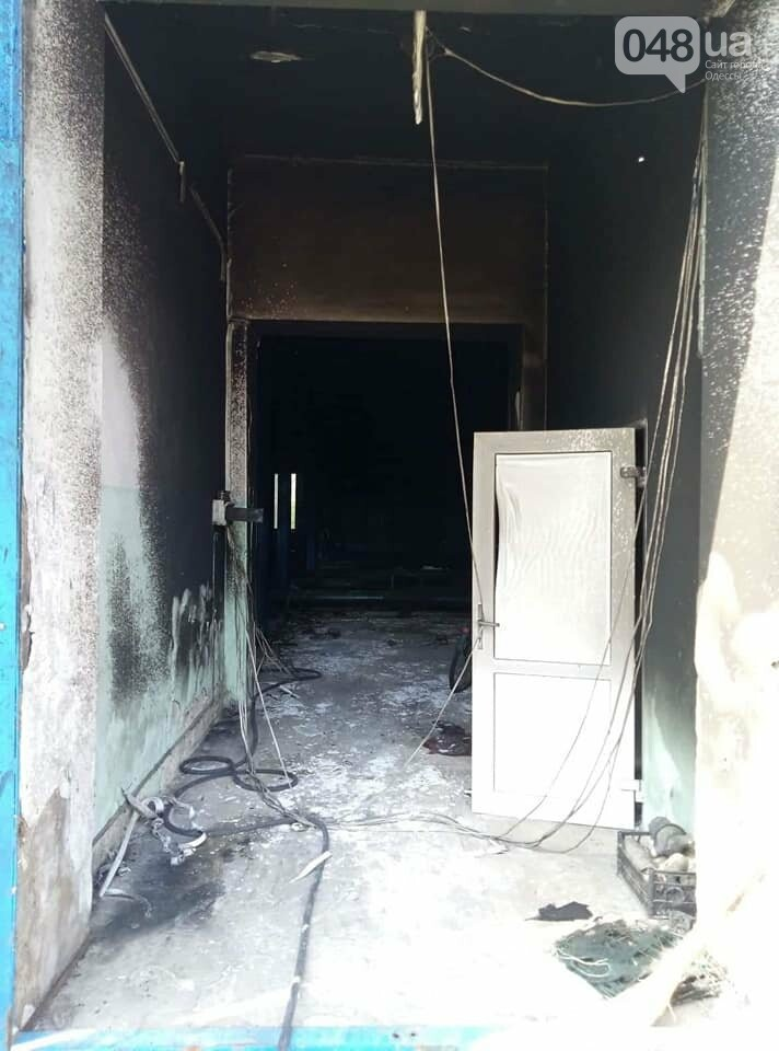 Под Одессой вооруженные неизвестные сожгли водонасосную станцию, - ФОТО , фото-1