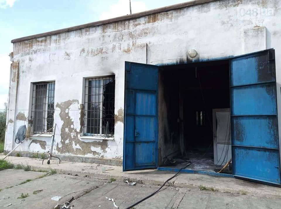Под Одессой вооруженные неизвестные сожгли водонасосную станцию, - ФОТО , фото-3