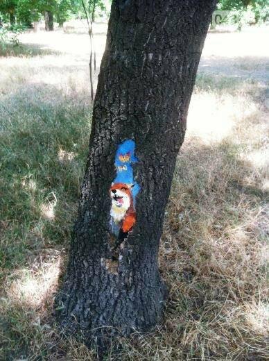 В дуплах деревьев в Одессе появились нарисованные совы, лисицы и еноты, - ФОТО, фото-8