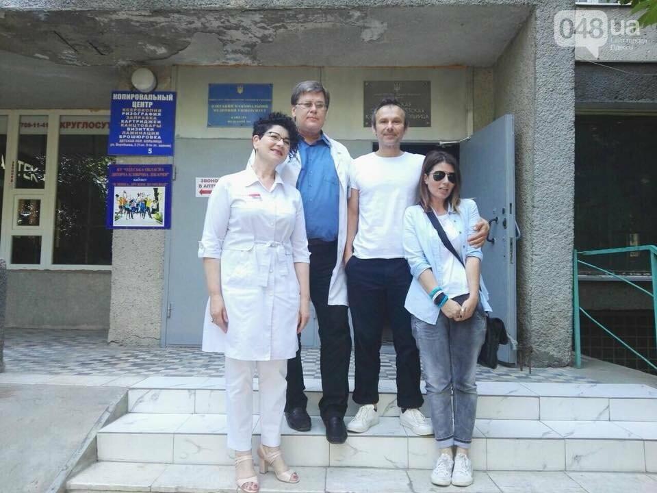 Вакарчук навестил детей в одесской больнице: было видно, что ему больно, - ФОТО, фото-5