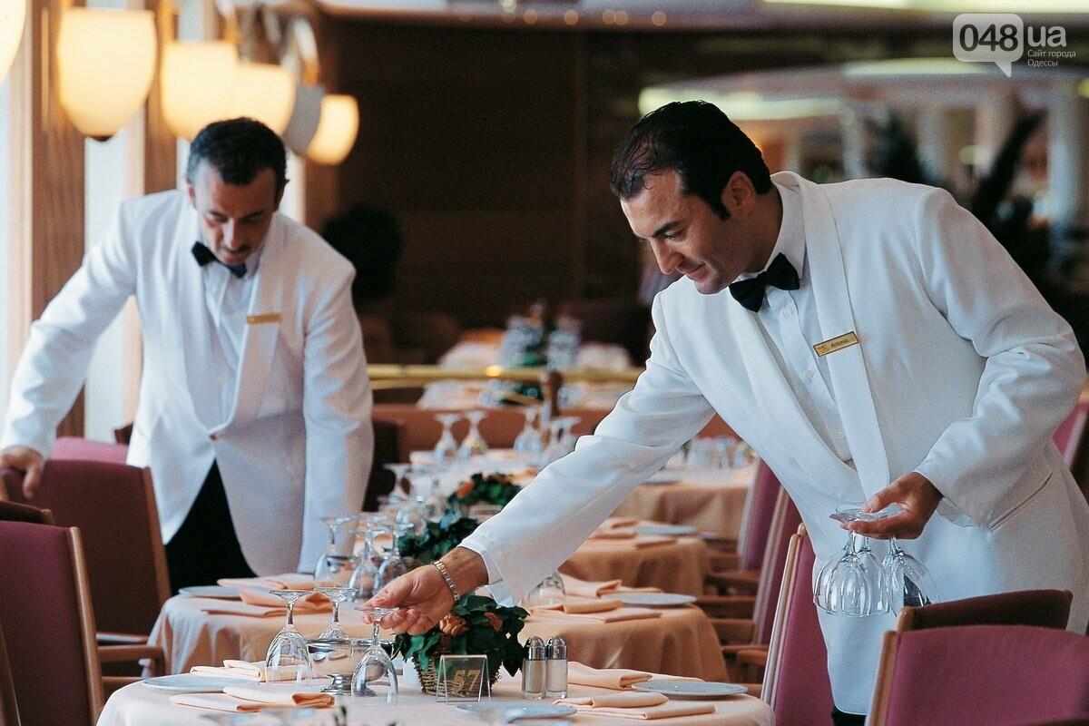 Как выглядит кухня пафосного ресторана: шокирующее видео одесского официанта, - ФОТО, ВИДЕО, фото-1