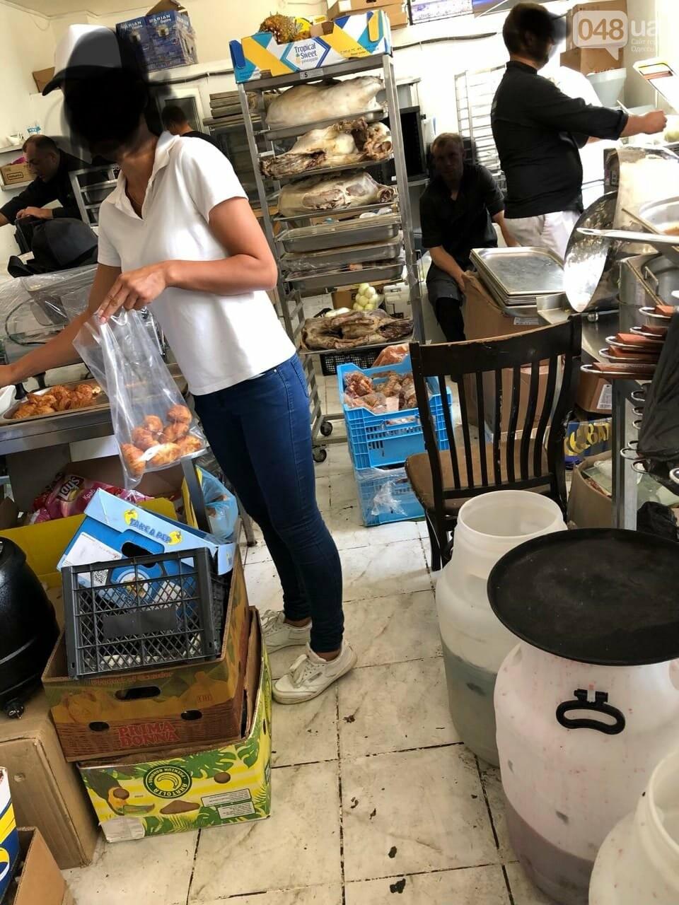 Как выглядит кухня пафосного ресторана: шокирующее видео одесского официанта, - ФОТО, ВИДЕО, фото-2