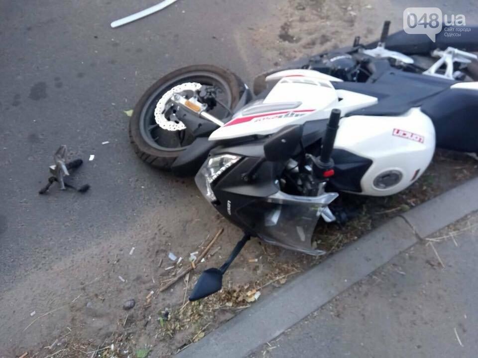 В Одессе у пострадавшего в аварии украли телефон прямо на месте ДТП, - ФОТО, ВИДЕО , фото-3
