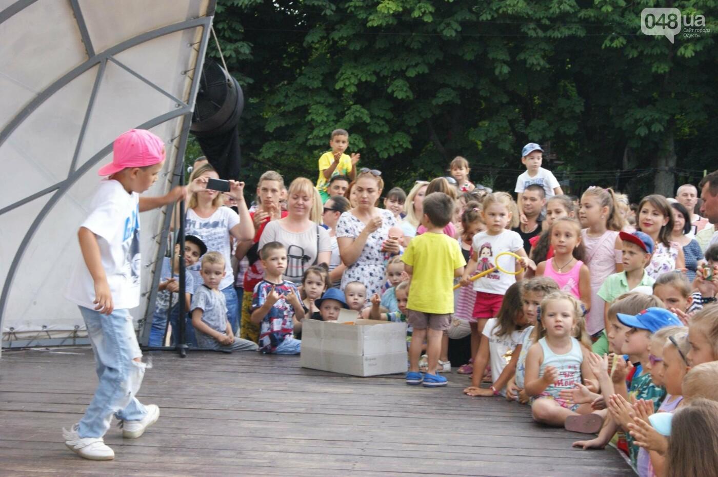 В Одессе в небо выпустили тысячи мыльных пузырей, - ФОТО, ВИДЕО, фото-3